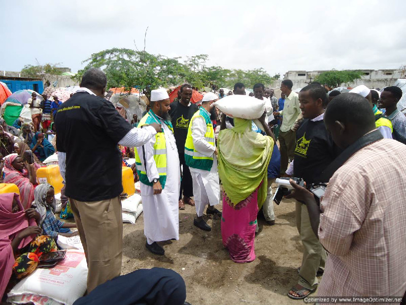 Distribution of Aid at the ARIF IDP CAMP