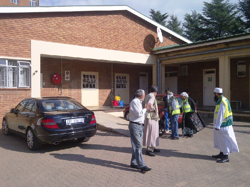 The Al-Imdaad Foundation launched its Slice4Life programme at the Emthonjeni clinic in Tambo Memorial Hospital on the 2nd of April 2013.